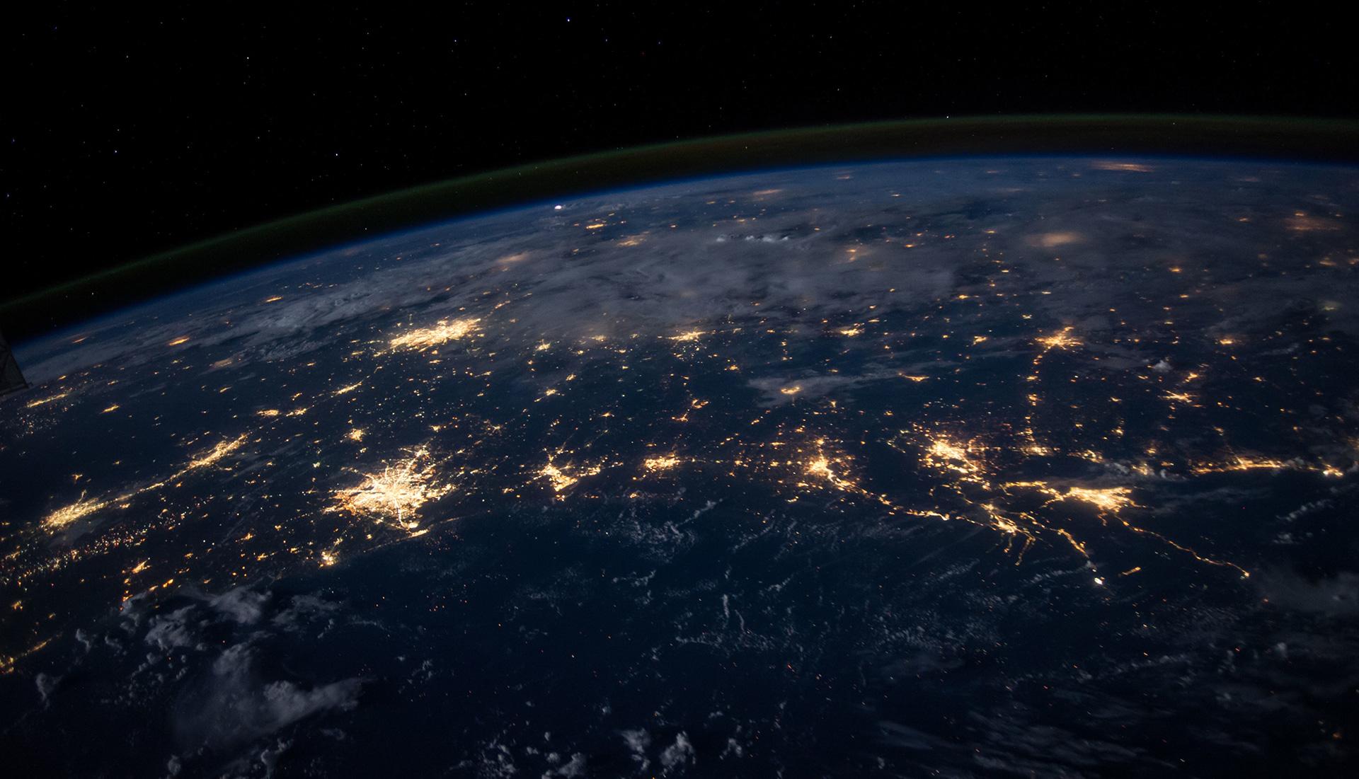 Globe-Lights1920